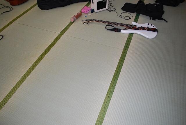 新しい畳表は気持ちいいです。